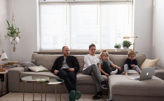 Leen Vanbroekhoven <br/>and Robin, Annabel 6, Oscar 4