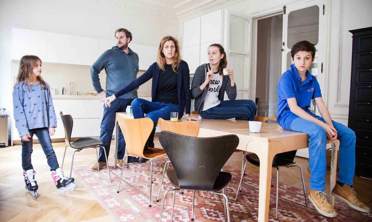 Delphine De Canecaude et Nicolas, <br/>Antonia 13 ans, Joseph 11 ans<br> et Rosalie 7 ans