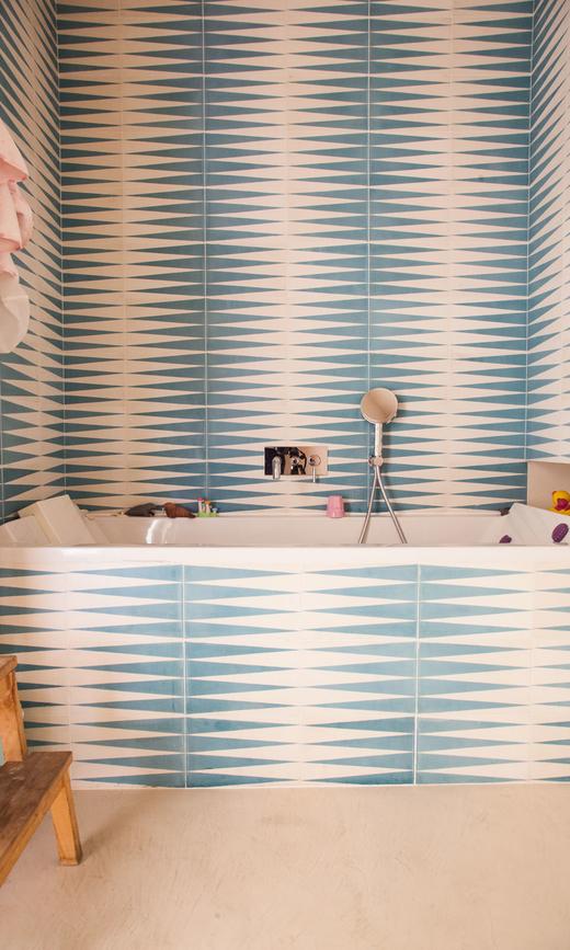 Salle de bain carreaux ciment Popham design Alice Ricard