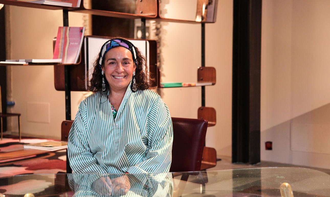 Nina Yashar Nilufar dépôt