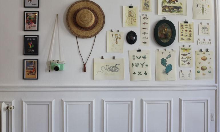 Mur Cabinet de Curiosités chez Vanessa Messy Nessy Chic