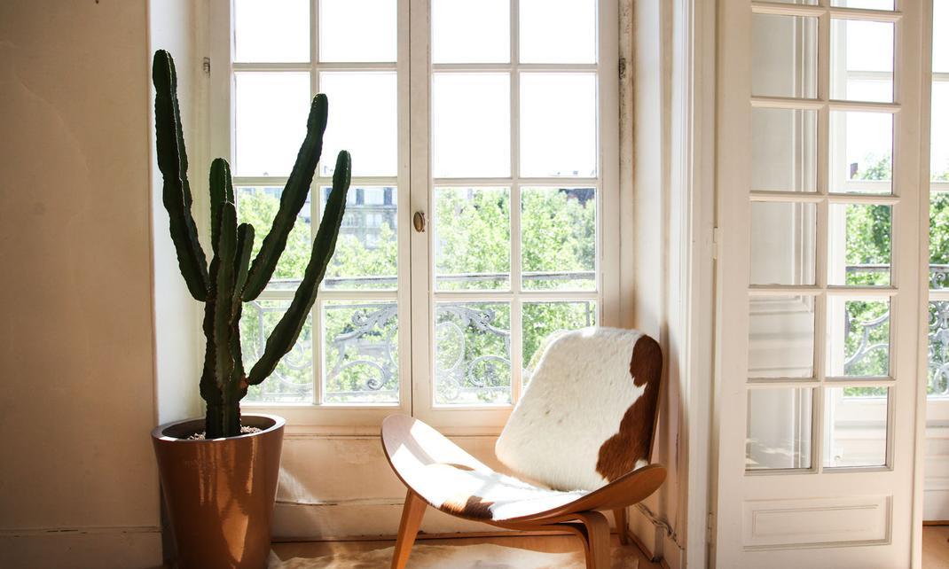 chaise eames paris roulette chaise bureau chaise de bureau roulettes rose vertbaudet with. Black Bedroom Furniture Sets. Home Design Ideas