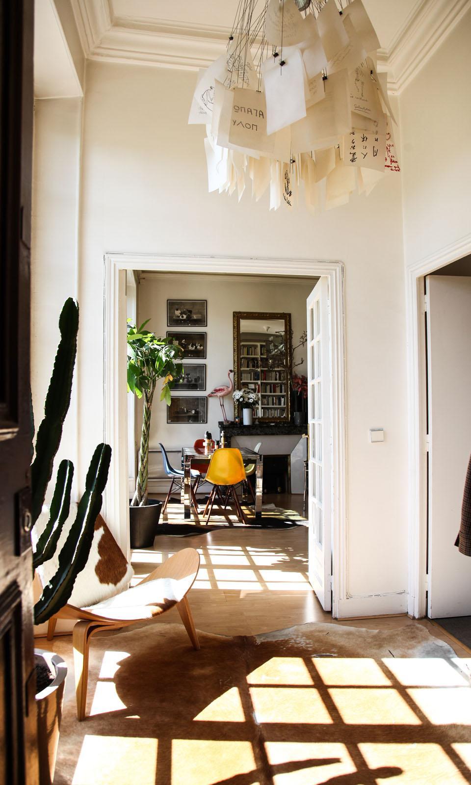 Couloir Suspension Luminaire Appartement Paris Augustin Trapenard