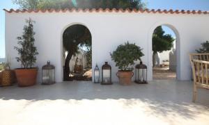 Patio Maison Formentera – The Socialite Family