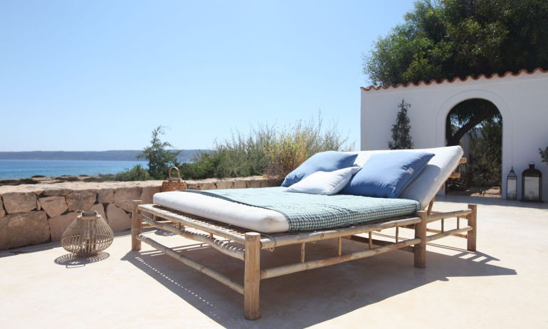 Lit Bain de Soleil Maison de Vacances Formentera The Socialite Family