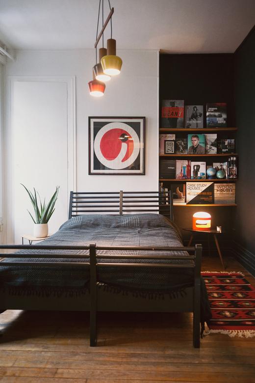 Chambre Pan de mur noir Maison Paris Siv Tone Kverneland Créatrice Jippi Design