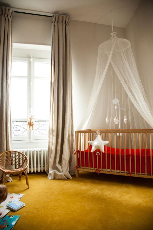 Chambre d'enfant Colorée Moquette Jaune Bébé Léontine Fille Antonin Roy Elisa Appartement Paris