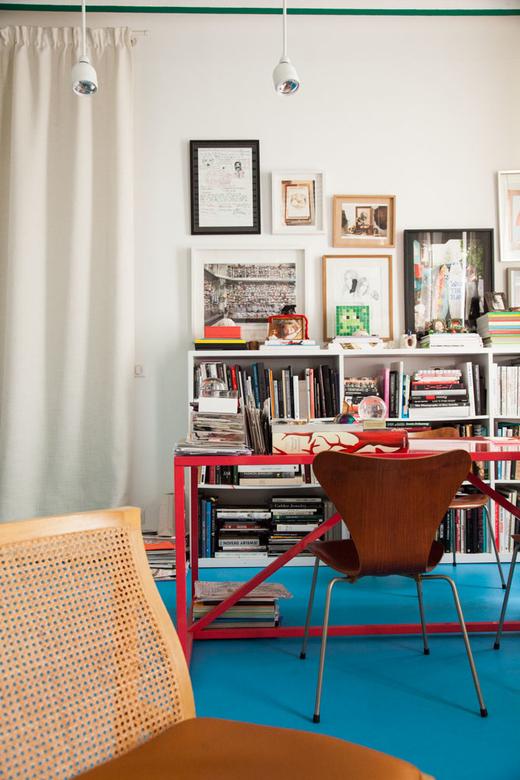 Bureau Chaise Fourmi Arne Jacobsen Sol Bleu Aurélie Bidermann Créatrice bijoux Paris