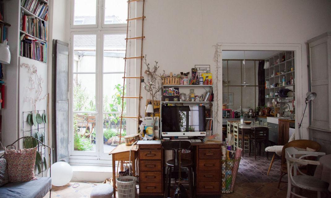 Table de cuisine pour studio the school kitchenette avec for Chambre de bonne a louer paris pas cher