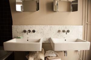 Salle de bain – Tamara Taichman