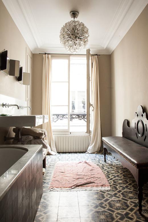 vue d'ensemble salle de bain Appartement tamara taichman