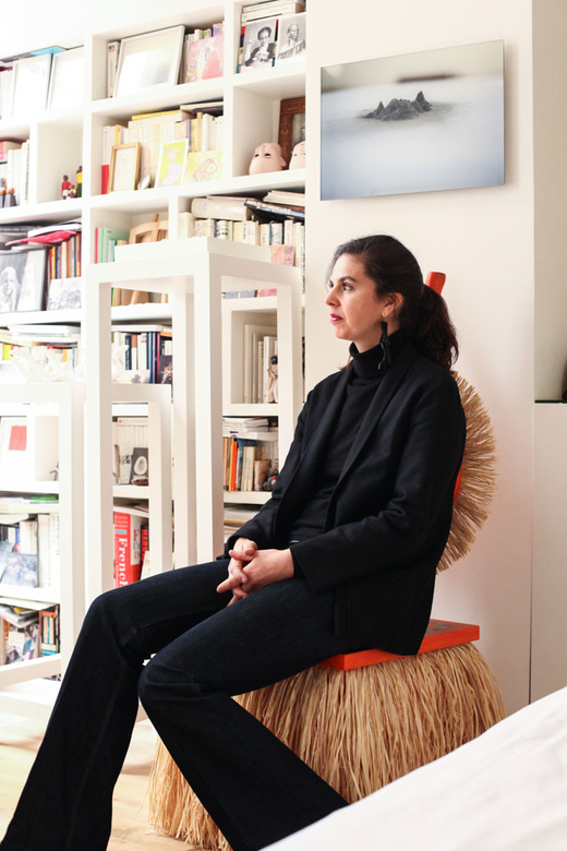 Portrait Alexandra Loewe dans sa chambre