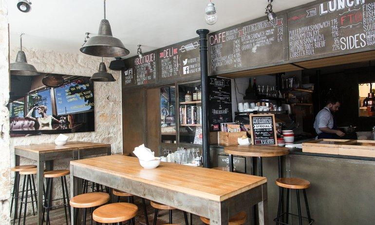 Intérieur Salle Restaurant Rue du Nil Paris Frenchie to Go Grégory Marchand