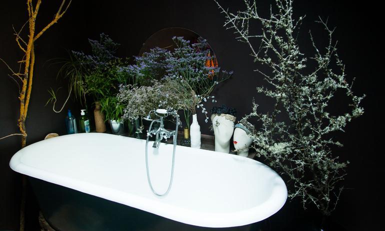 baignoire salle de bain noire zoé rumeau paris