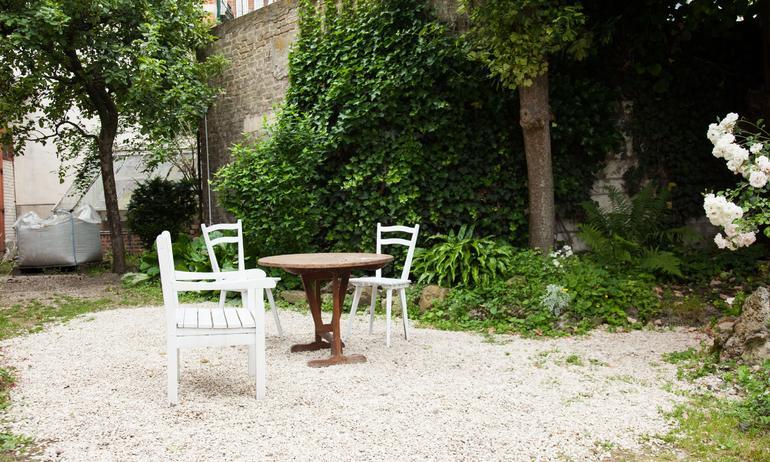 Extérieur Chaises Table Maison Reims Créateurs de La Maison Jaune Julien et Élodie Régnier