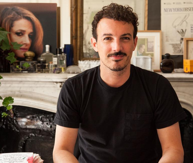 Nicolas Ouchenir, calligraphe magicien