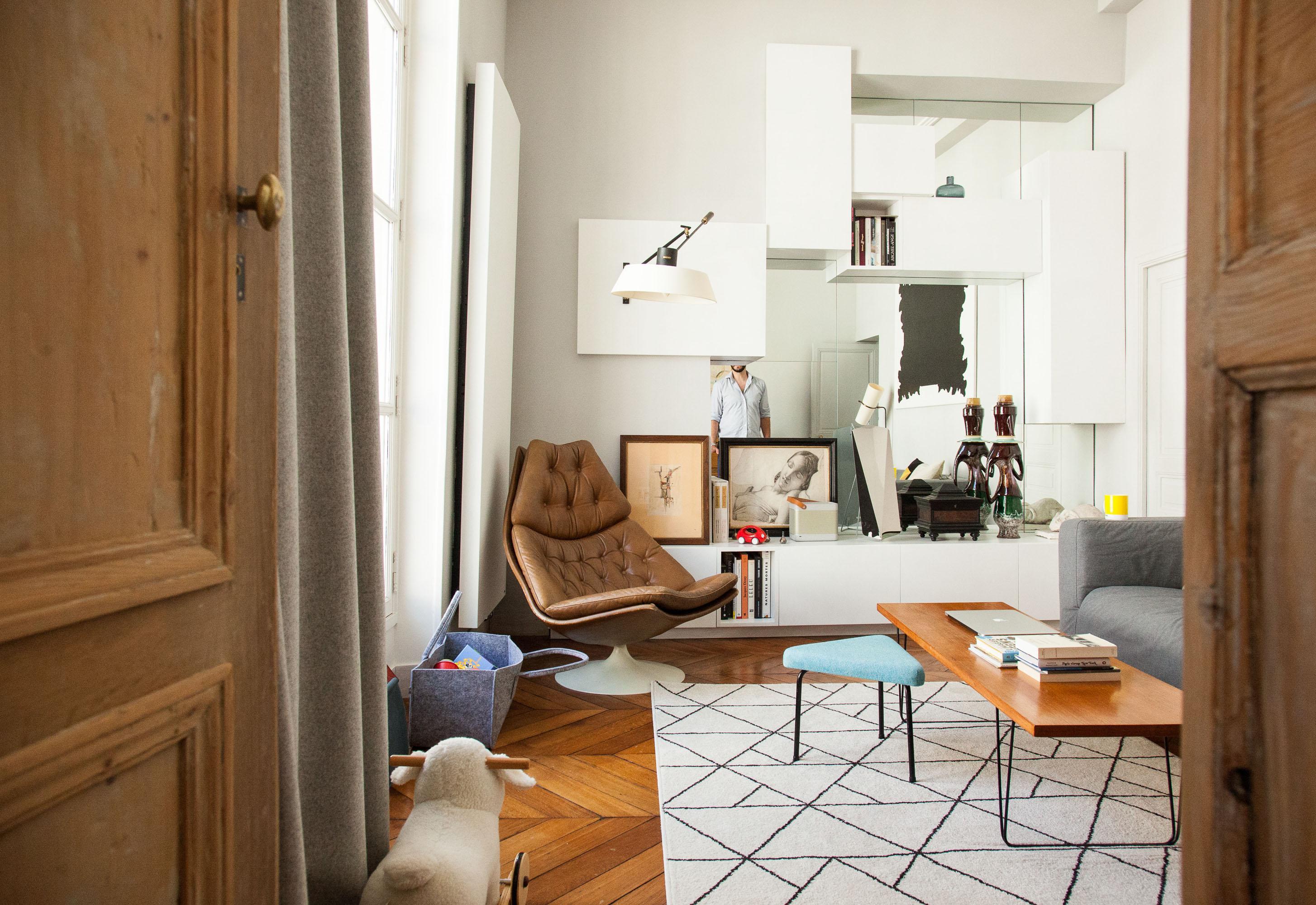 pi ce par pi ce the socialite family. Black Bedroom Furniture Sets. Home Design Ideas