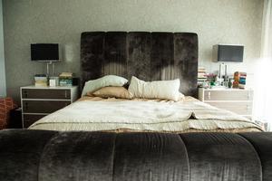 Chambre – Lora Appleton