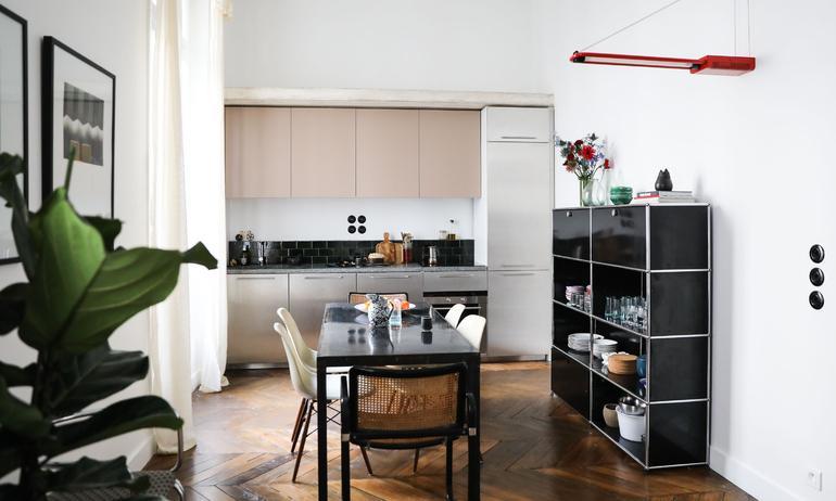 Cuisine Chaises Eames DSW Marcel Breuer Cesca Meuble USM Appartement Stéphanie Lizée