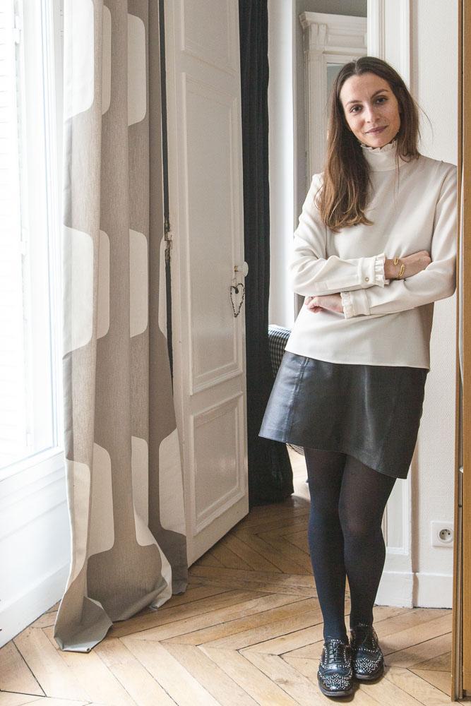 Portrait Camille Co Salon Appartement Paris
