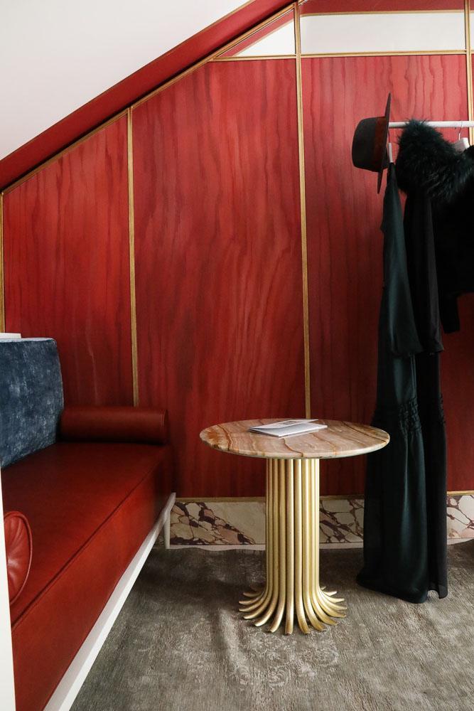 Boutique Créatrice Maison Père Camille Omerin Peinture Rouge Table vintage