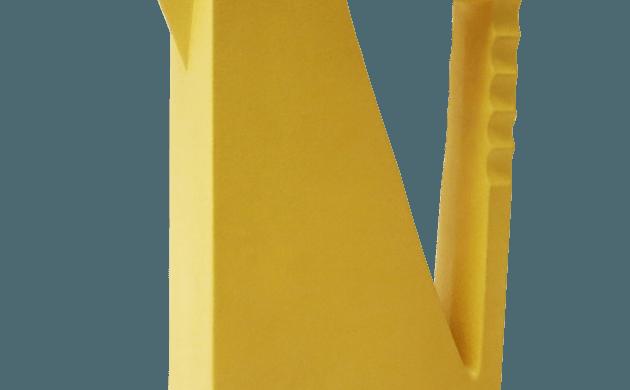 Pichet sculptural en céramique jaune