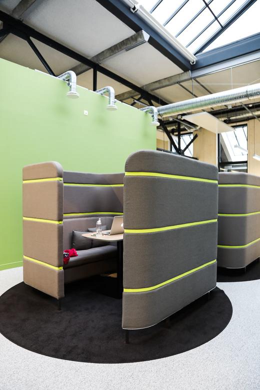 Bureaux Mobilier Enveloppant Agence Saguez and Partners Saint Ouen