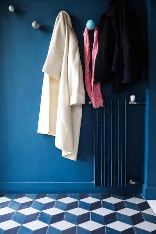 Entrée Carreaux ciment Peinture Bleue Maison Le Vésinet Marine Garnier