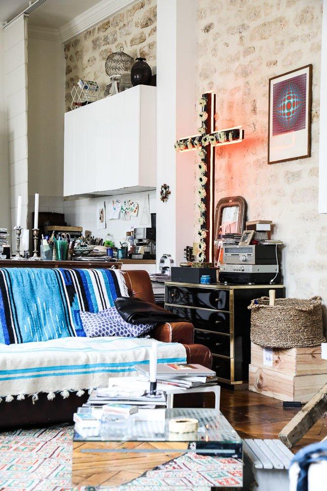 Salon Appartement Croix lumineuse Delphine Delafon Paris