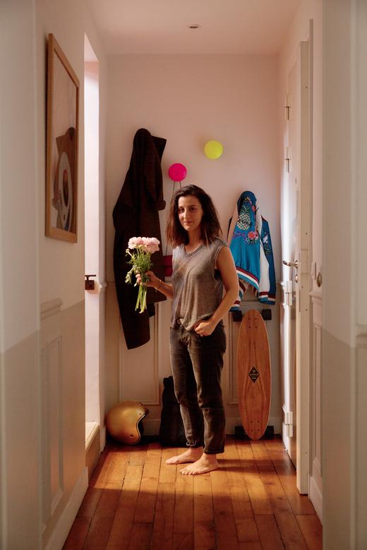 Portrait Nayla Voillemot Entrée Appartement Duplex Paris