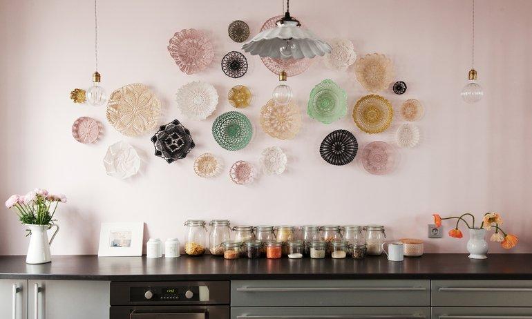 Cuisine rose Maillot Design Panier en maille Appartement Duplex Paris Nayla Voillemot et Romain