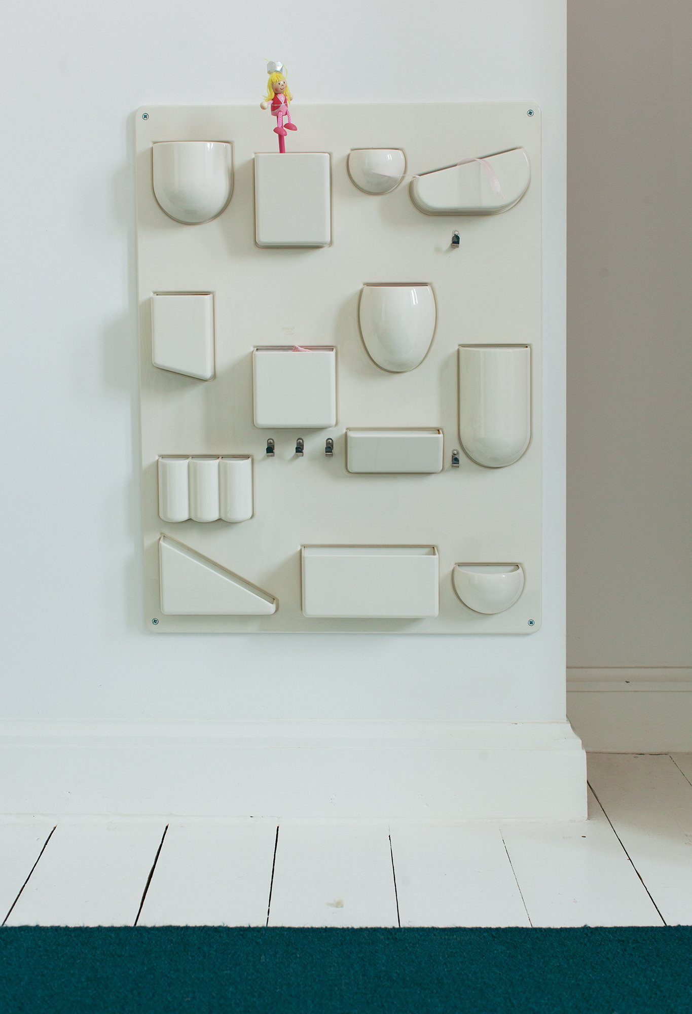 Rangement mural blanc en plastique Appartement Designer Marina Bautier Bruxelles