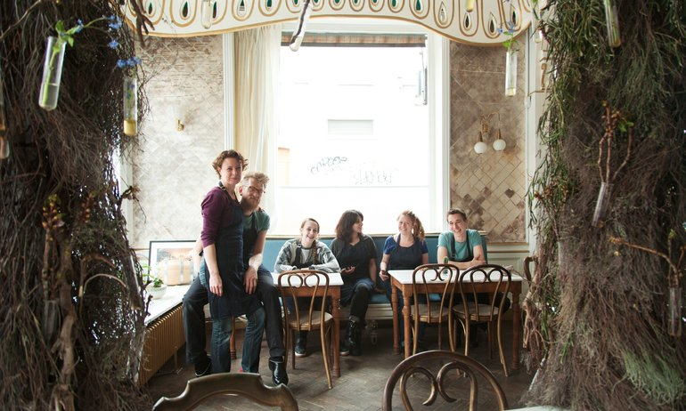 Hortense and Humus, <br> a Place Full of Flavours and Colours