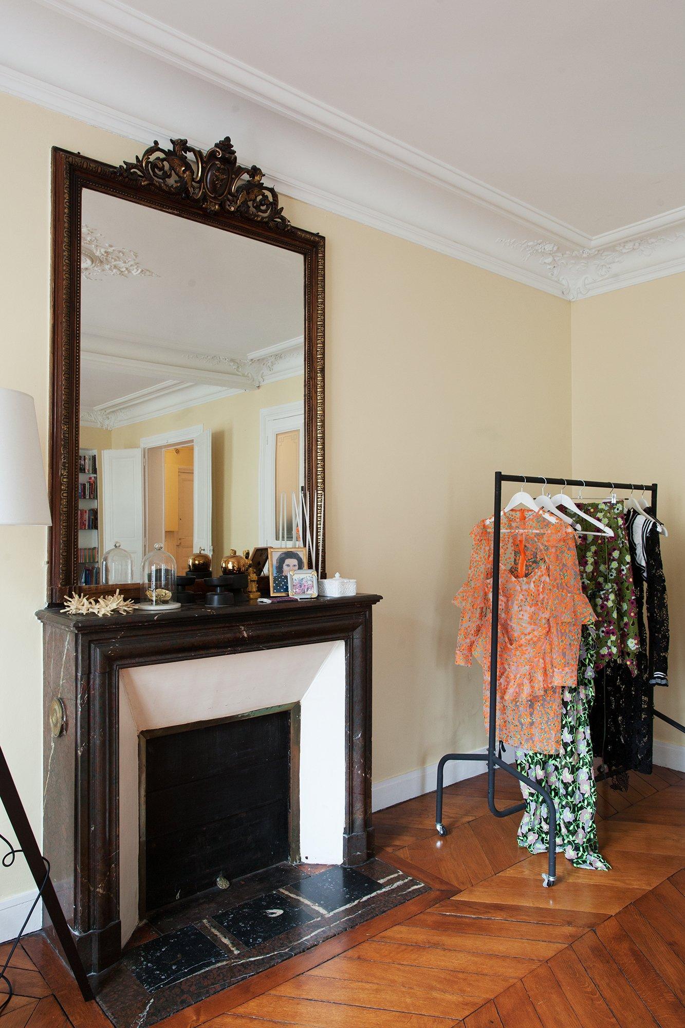 Salon Miroir Portrait Habits Styliste Designer Jonathan Liang Paris