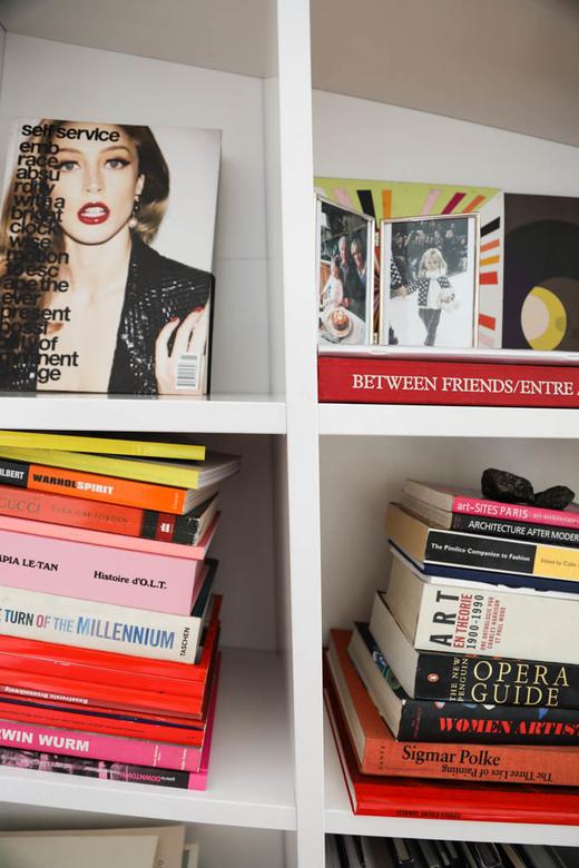 Appartement Salon Livre Claire Thomson Jonville Rédactrice en chef Self Service Paris