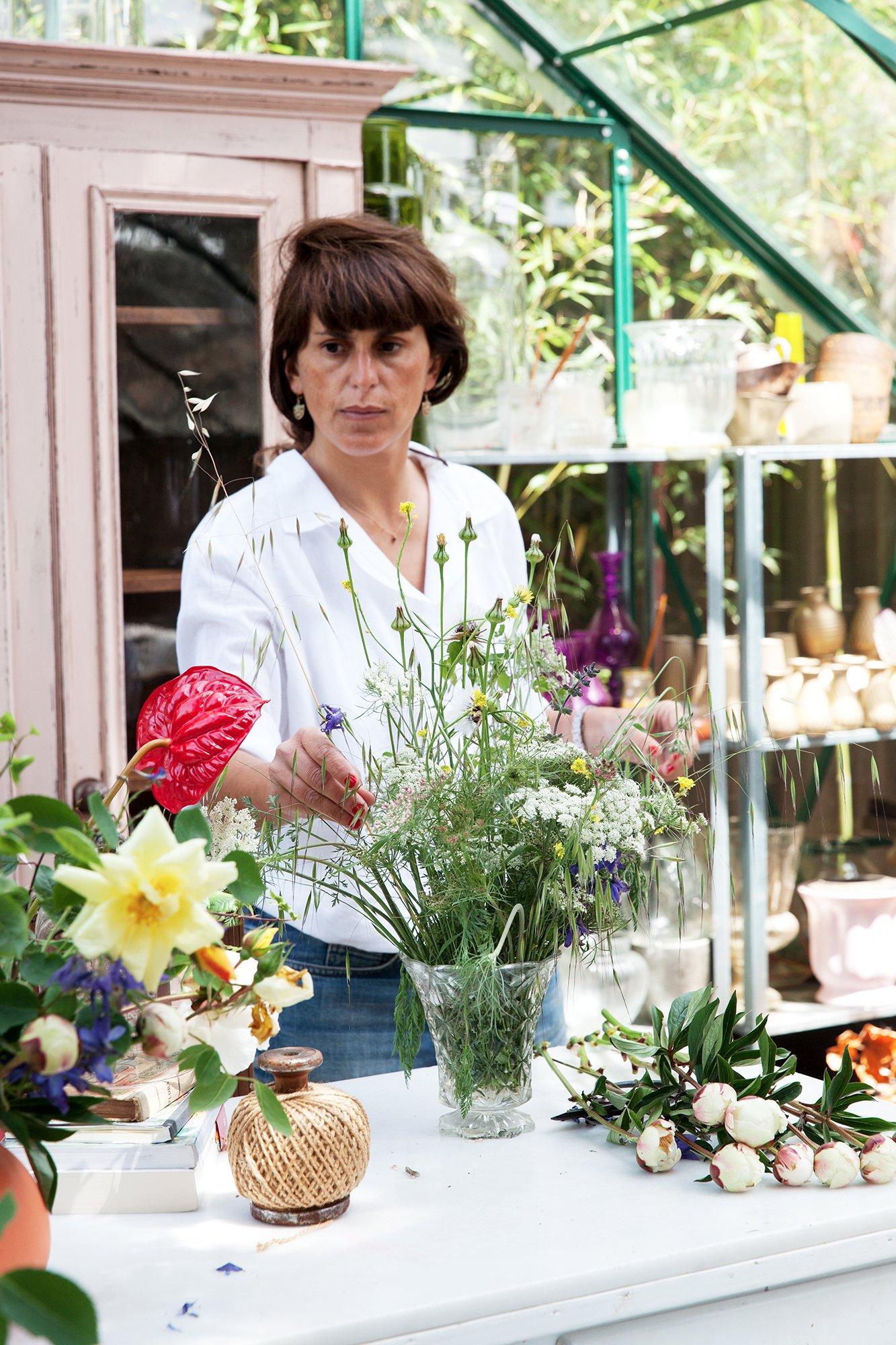 Portrait Manuela Sosa Créatrice de Gang and the Wool Atelier Fleurs Extérieur