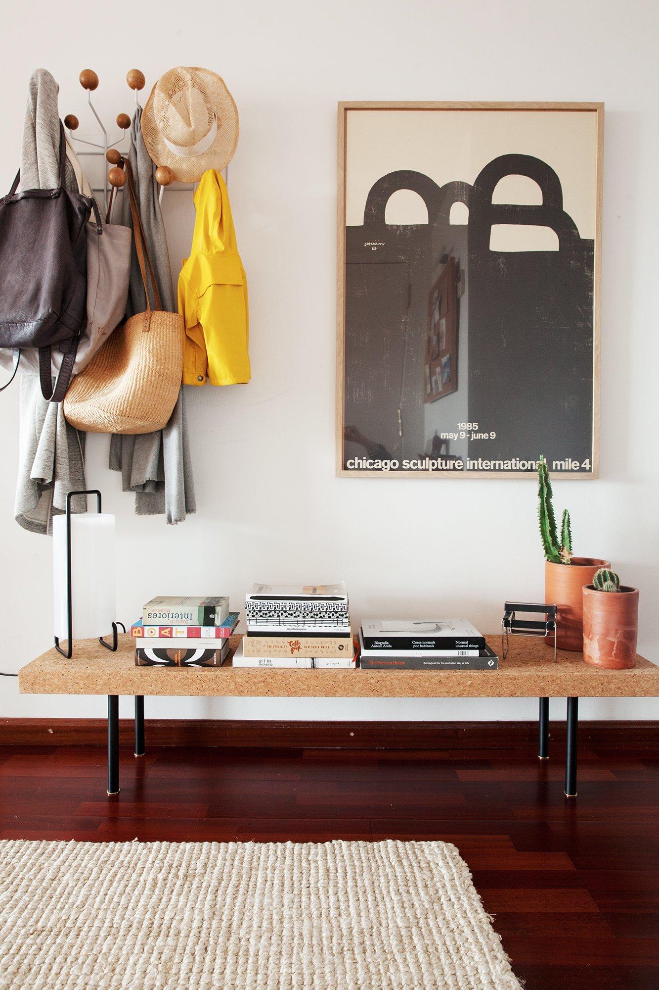 Entrée Andrea Conti Porte-manteaux Hang it all Eames Banc OSB Créatrice Studio Conti, Cert Barcelone