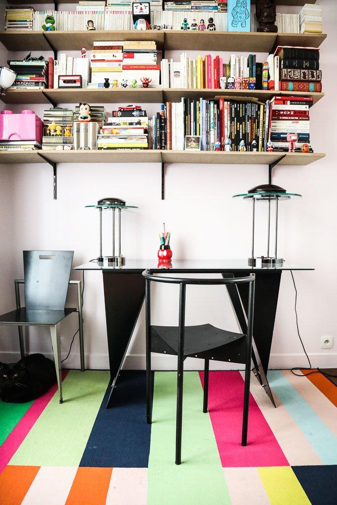 Bureau année 80 Chaise Philippe Starck Valérie Bouvier Saint Ouen Paris