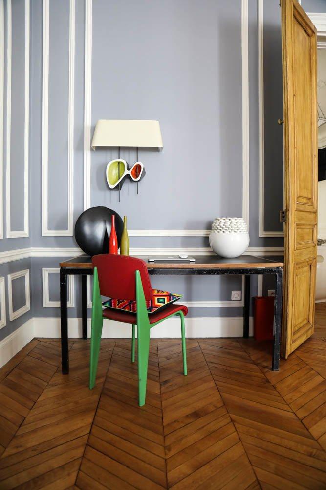 Bureau Charlotte Perriand Chaise Jean Prouvé Pierre Chapo Céline Faraud Appartement Paris