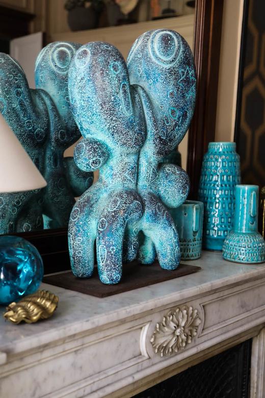 Céramique bleue Céline Faraud Appartement Paris