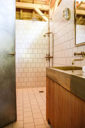 Salle de bain – Louisa Rowland