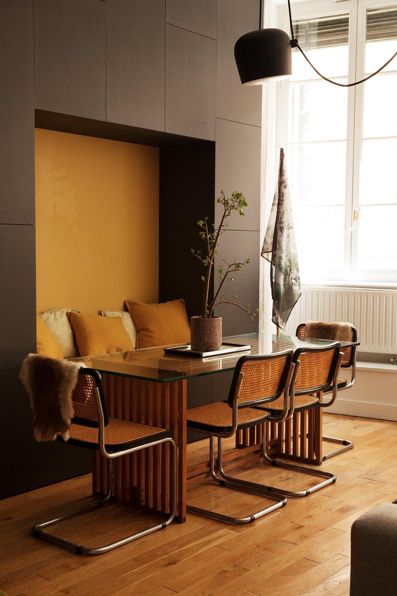 Salon Salle à manger Chaises Cesca Christophe Collado Propriétaire L'Oeil Vintage
