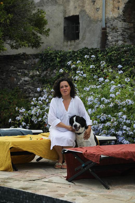 Portrait Emmanuelle Picon Jardin Piscine Couvent de Pozzo Brando