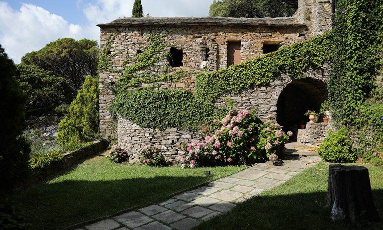 Façade extérieure Jardin Couvent de Pozzo Brando
