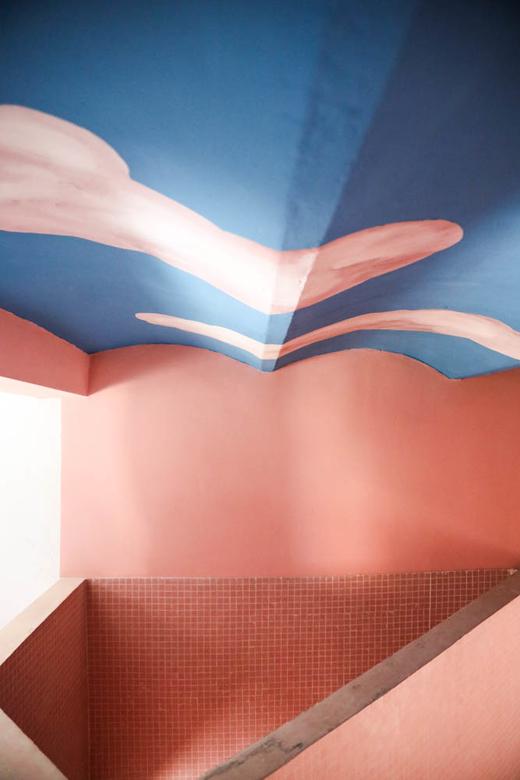 Plafond ciel escalier Casa Horta Barcelone Maison Guillermo Santoma et Raquel Quevedo
