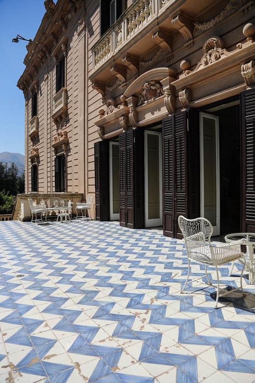 Terrasse Céramique bleues et blanches Villa Tasca Palerme