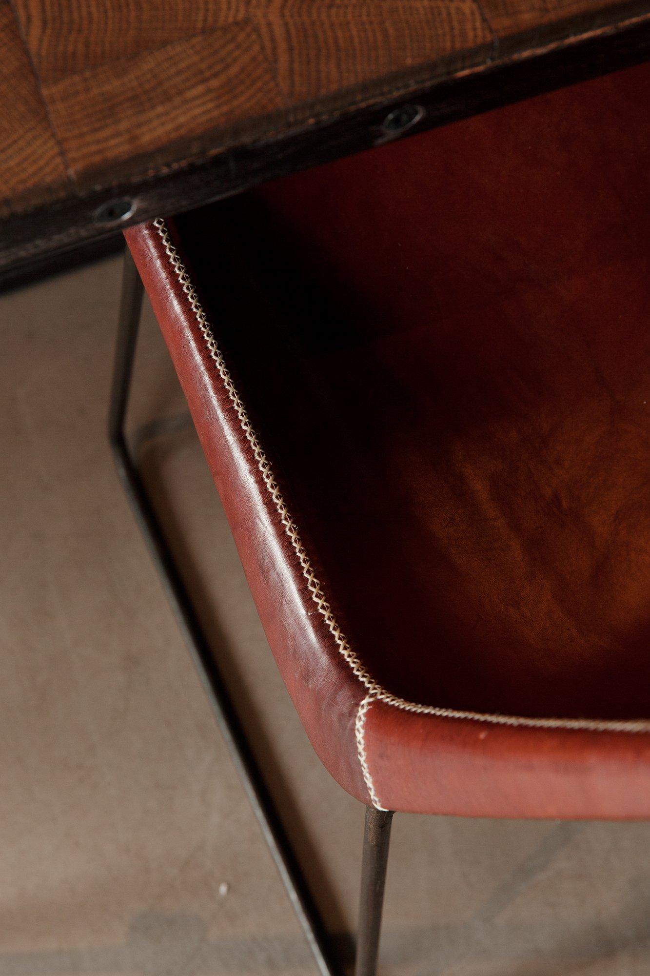 Chaise en cuir Salle restaurant Hôtel National des Arts et Métiers Paris