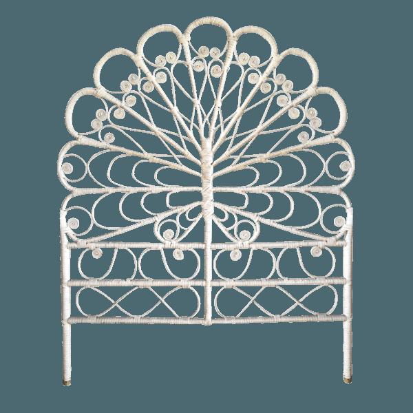 t te de lit en rotin p on the socialite family. Black Bedroom Furniture Sets. Home Design Ideas