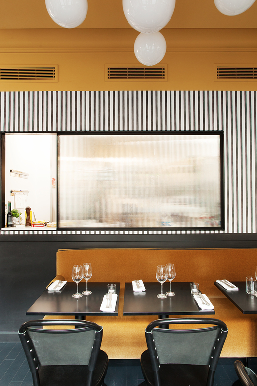 Salle restaurant Tables Miroir Epoca Denny Imbroisi