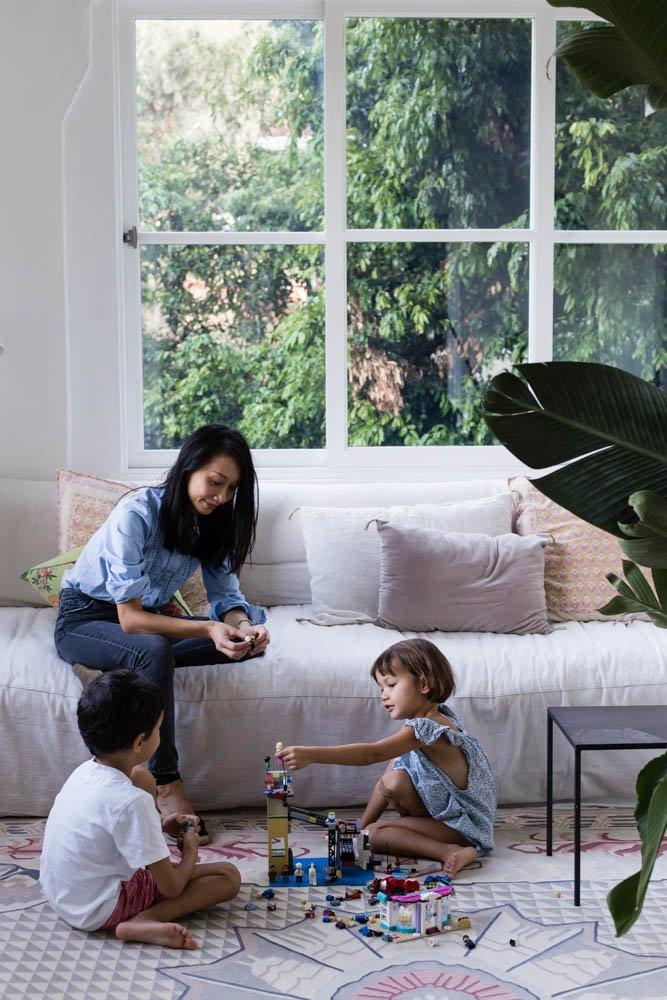 Portrait famille Gillian Khaw Appartement Sydney I Own Australia's Best Home Handelsmann + Khaw